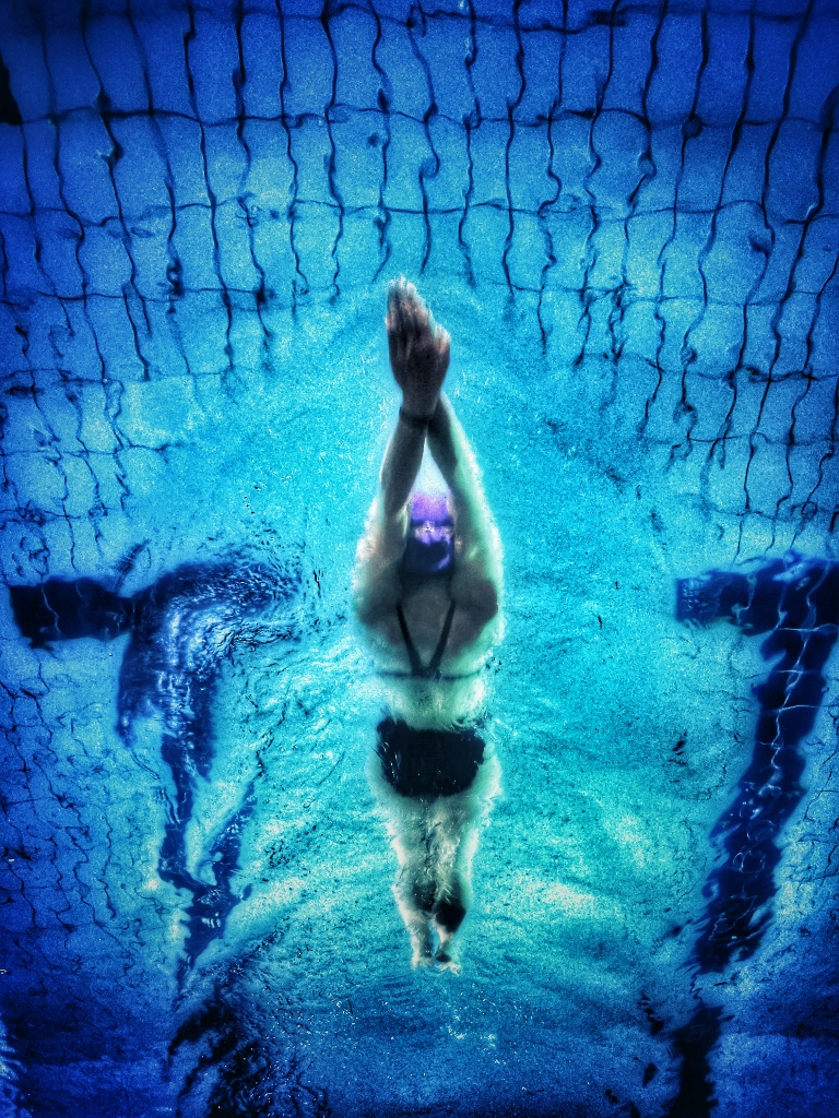 underwater photography of swimmer 711187 2 768x1024